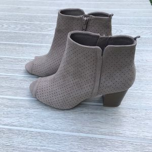 Neutral Perp Toe Perforated Ankle Booties 7